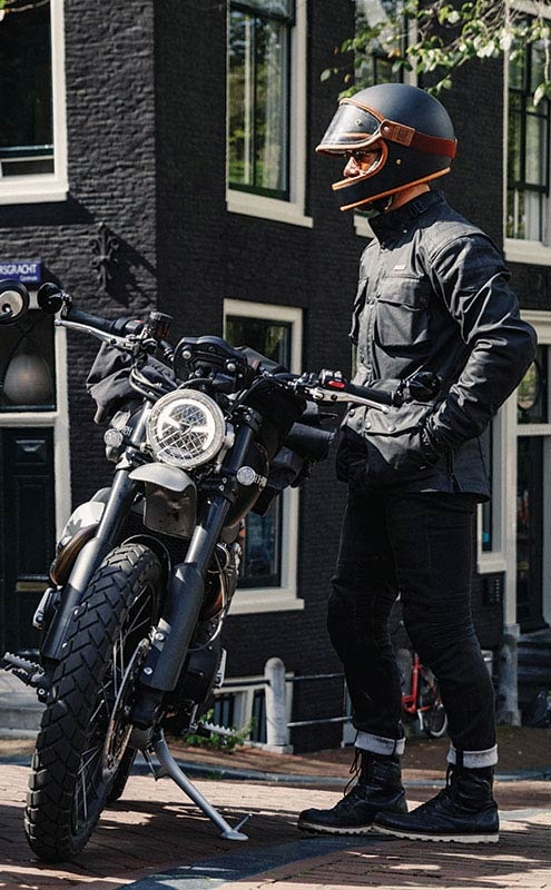 Rider ready to explore Amsterdam on their Triumph Scrambler 1200 XC