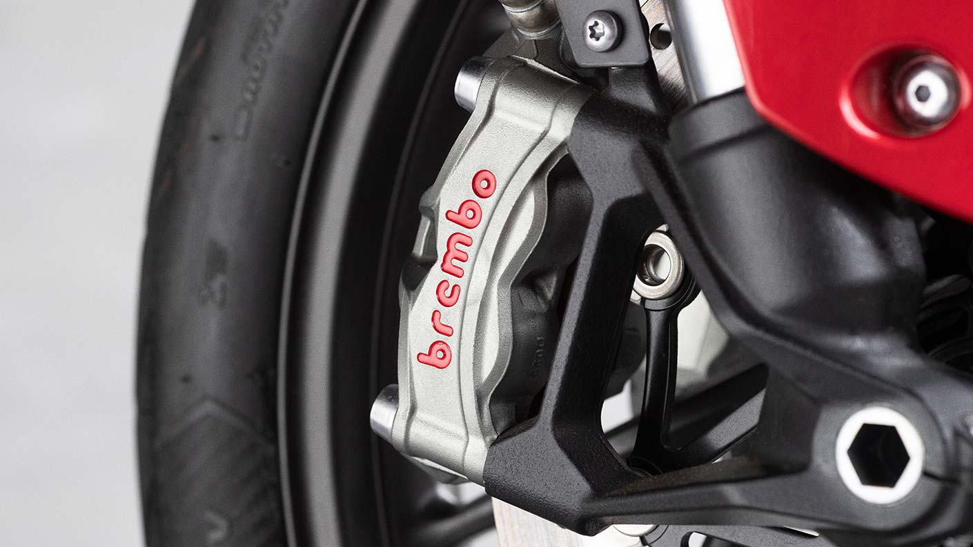 Close-up of Tiger 900 GT Pro Brembo Brakes