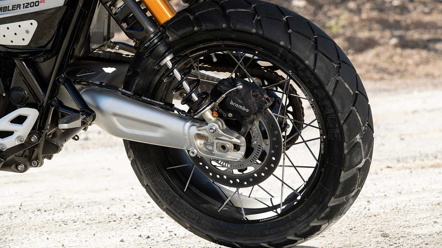 Triumph Scrambler 1200 tubeless tyre, perfect for scrambling