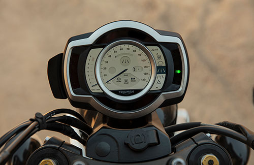 Triumph Scrambler 1200 TFT screen highlighting riding modes